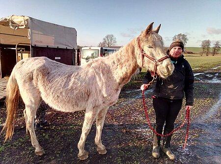 Die gelernte Pferdewirtin Doreen Huff begleitete Asli vom ersten Tag.